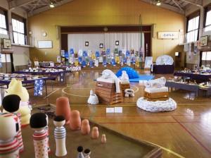 京都芸大「境谷小学校レジデンス」 京都市立境谷小学校 作品展